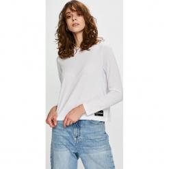 Calvin Klein Jeans - Bluzka. Szare bluzki damskie Calvin Klein Jeans, z bawełny, z okrągłym kołnierzem. Za 229.90 zł.