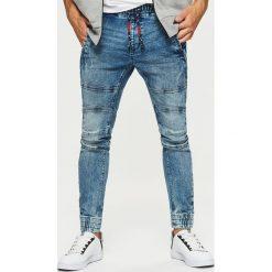 Jeansy SLIM JOGGER - Niebieski. Niebieskie jeansy męskie Cropp. Za 129.99 zł.