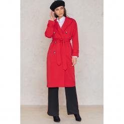 Trendyol Płaszcz dwurzędowy z paskiem - Red. Czerwone płaszcze damskie Trendyol, w paski, z bawełny, klasyczne. W wyprzedaży za 141.98 zł.