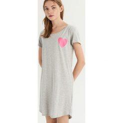 Koszula z nadrukiem - Jasny szar. Szare koszule damskie Sinsay, z nadrukiem. Za 29.99 zł.