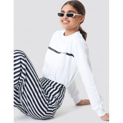 NA-KD Bluza J'adore - White. Białe bluzy damskie NA-KD, z nadrukiem, z dresówki. Za 141.95 zł.