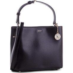 Torebka DKNY - R83J3619  Blk/Gold 82. Czarne torebki do ręki damskie DKNY, ze skóry. Za 849.00 zł.
