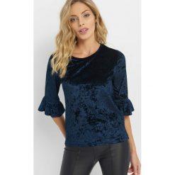Welurowa koszulka z falbanką. Niebieskie bluzki damskie Orsay, z dzianiny, z falbankami. Za 49.99 zł.