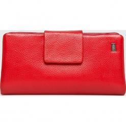 Nobo - Portfel skórzany. Czerwone portfele damskie Nobo, z materiału. W wyprzedaży za 219.90 zł.