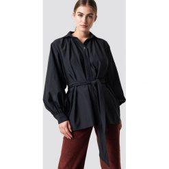 NA-KD Trend Koszula z bufiastym rękawem - Black. Czarne koszule damskie NA-KD Trend, w paski. Za 161.95 zł.