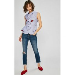 Guess Jeans - Top Kira. Szare topy damskie Guess Jeans, z jeansu, bez rękawów. W wyprzedaży za 239.90 zł.
