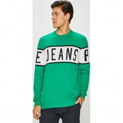 Pepe Jeans - Sweter. Zielone swetry przez głowę męskie Pepe Jeans, z nadrukiem, z bawełny, z okrągłym kołnierzem. Za 299.90 zł.