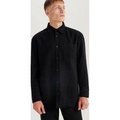 Welurowa koszula oversize ReDesign - Zielony. Zielone koszule męskie Reserved, z weluru. Za 169.99 zł.