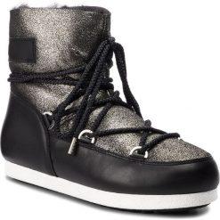 Śniegowce MOON BOOT - F.Side Low Sh Stard. 24200400001 Black/Platinum. Czarne kozaki damskie Moon Boot, ze skóry. Za 1,099.00 zł.