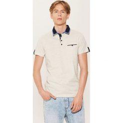 Koszulka polo z kontrastowymi detalami - Kremowy. Białe koszulki polo męskie House. W wyprzedaży za 29.99 zł.