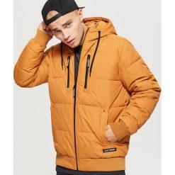 Pikowana kurtka na zimę - Brązowy. Brązowe kurtki męskie Cropp, na zimę. Za 249.99 zł.