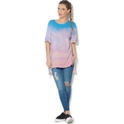 Colour Pleasure Koszulka CP-033  42 niebiesko-różowy r. uniwersalny. T-shirty damskie Colour Pleasure. Za 76.57 zł.