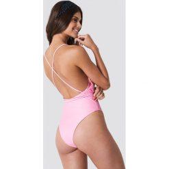 Hot Anatomy Kostium kąpielowy z dekoltem V - Pink. Różowe kostiumy jednoczęściowe damskie Hot Anatomy. Za 202.95 zł.
