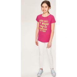 T-shirt z napisem - Różowy. T-shirty damskie marki bonprix. Za 24.99 zł.