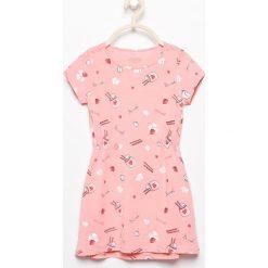 Bawełniana sukienka z nadrukiem - Różowy. Sukienki niemowlęce Reserved, z nadrukiem, z bawełny. W wyprzedaży za 14.99 zł.