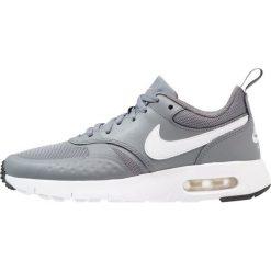 Nike Sportswear Tenisówki i Trampki cool grey/white/wolf grey/black. Trampki i tenisówki chłopięce Nike Sportswear, z materiału. Za 379.00 zł.