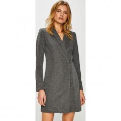 Vero Moda - Sukienka Glitter. Szare sukienki damskie Vero Moda, z dzianiny, casualowe. W wyprzedaży za 149.90 zł.