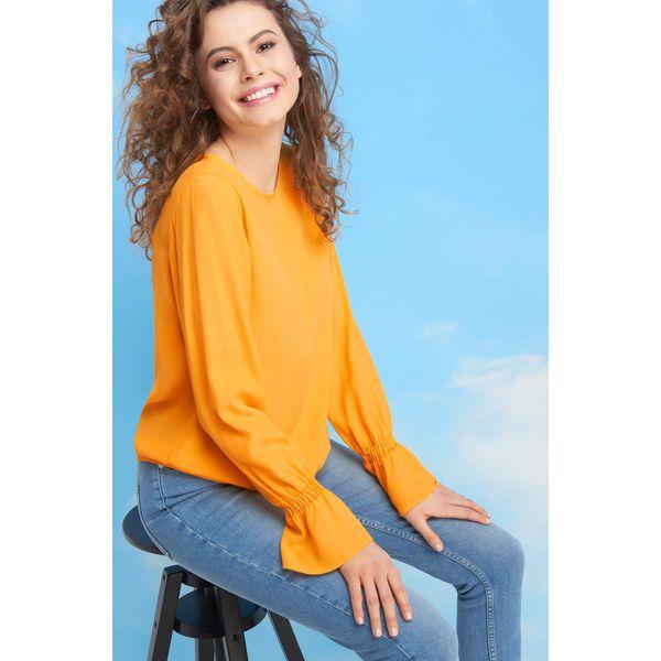 eab9321fd24724 Bombkowa bluzka z supłem - Bluzki damskie marki Orsay. W wyprzedaży ...