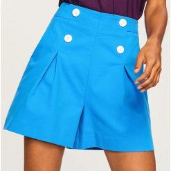 Szorty z wysokim stanem - Niebieski. Niebieskie szorty damskie Reserved. W wyprzedaży za 79.99 zł.