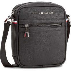 Saszetka TOMMY HILFIGER - Essential Mini Reporter AM0AM00794 002. Czarne saszetki męskie Tommy Hilfiger, z materiału, młodzieżowe. Za 249.00 zł.