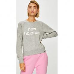 New Balance - Bluza. Szare bluzy damskie New Balance, z nadrukiem, z bawełny. W wyprzedaży za 199.90 zł.