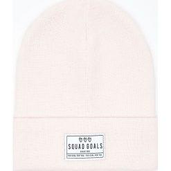 Czapka z naszywką - Różowy. Czerwone czapki i kapelusze damskie Cropp. Za 29.99 zł.