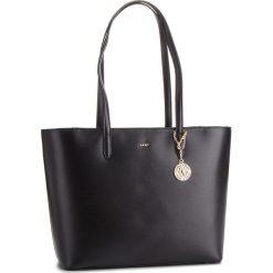Torebka DKNY - R83A3654  Blk/Gold 82. Czarne torebki do ręki damskie DKNY, ze skóry. Za 1,199.00 zł.