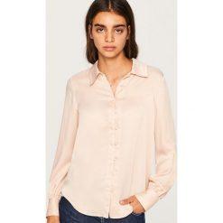 Koszula o satynowym połysku - Kremowy. Białe koszule damskie Reserved, z satyny. Za 89.99 zł.