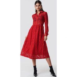 NA-KD Koronkowa sukienka midi - Red. Czerwone sukienki damskie NA-KD, z koronki. Za 242.95 zł.