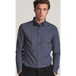 Niebieskie koszule męskie Reserved Kolekcja zima 2020