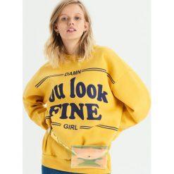 Bluza z napisem - Żółty. Żółte bluzy damskie Sinsay, z napisami. Za 49.99 zł.
