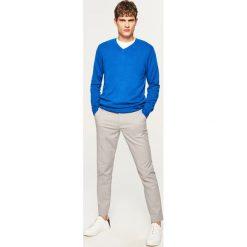 Sweter z dekoltem w serek - Niebieski. Swetry dla chłopców marki Reserved. W wyprzedaży za 59.99 zł.