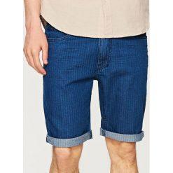 Jeansowe szorty SLIM FIT - Granatowy. Niebieskie szorty męskie Reserved, z jeansu. W wyprzedaży za 29.99 zł.
