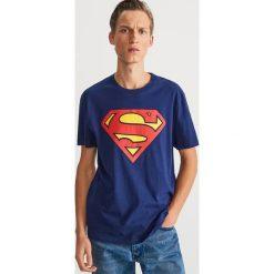 T-shirt z nadrukiem Superman - Granatowy. Niebieskie t-shirty męskie Reserved, z motywem z bajki. Za 59.99 zł.