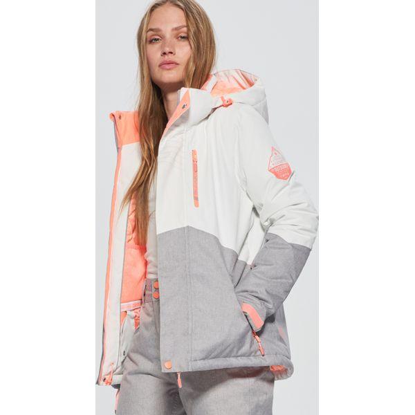 466b9939feac5 Wyprzedaż - kurtki i płaszcze damskie ze sklepu Cropp - Kolekcja lato 2019  - Chillizet.pl