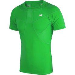 Koszulka kompresyjna - MT710135FN. Zielone koszulki sportowe męskie New Balance, na jesień, z materiału. W wyprzedaży za 129.99 zł.
