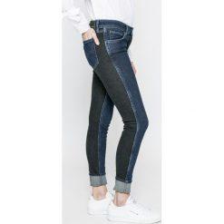 Levi's - Jeansy 501. Brązowe jeansy damskie Levi's. W wyprzedaży za 239.90 zł.