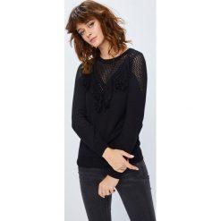 Medicine - Sweter Secret Garden. Czarne swetry damskie MEDICINE, z bawełny, z okrągłym kołnierzem. W wyprzedaży za 59.90 zł.
