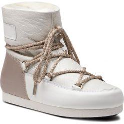 Śniegowce MOON BOOT - F.Slide Low Sh Pearl 24200300001 White/Taupe. Białe kozaki damskie Moon Boot, z materiału. Za 1,099.00 zł.