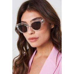 NA-KD Accessories Okulary przeciwsłoneczne kocie oczy - White,Silver. Okulary przeciwsłoneczne damskie marki QUECHUA. W wyprzedaży za 30.47 zł.