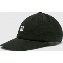DC - Czapka. Czarne czapki i kapelusze męskie DC. W wyprzedaży za 99.90 zł.