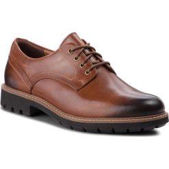 Półbuty CLARKS - Batcombe Hall 261275517  Dark Tan Leather. Brązowe półbuty na co dzień męskie Clarks, z materiału. W wyprzedaży za 229.00 zł.