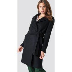 Trendyol Płaszcz Arched - Black. Czarne płaszcze damskie Trendyol, w paski. Za 283.95 zł.