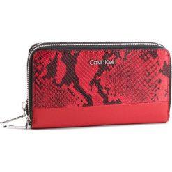 Duży Portfel Damski CALVIN KLEIN - Stitch Double Ziparound Cb K60K604958 908. Czerwone portfele damskie Calvin Klein, ze skóry ekologicznej. Za 299.00 zł.