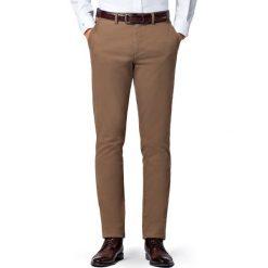 Spodnie Beżowe Chino Mono II. Brązowe eleganckie spodnie męskie LANCERTO, z bawełny. Za 299.90 zł.