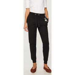 Spodnie dresowe - Czarny. Spodnie dresowe damskie Reserved, z dresówki. Za 39.99 zł.