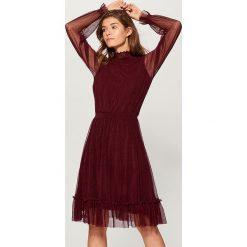 Sukienka z transparentnymi rękawami - Bordowy. Czerwone sukienki damskie Mohito. Za 139.99 zł.