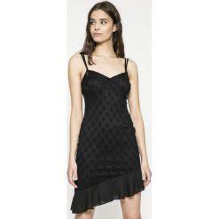 Missguided - Sukienka. Szare sukienki damskie Missguided, z materiału, casualowe, z asymetrycznym kołnierzem. W wyprzedaży za 69.90 zł.