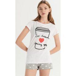 Piżama z motywem kawy - Biały. Białe piżamy damskie Sinsay. Za 39.99 zł.