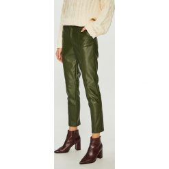 Answear - Spodnie. Szare spodnie materiałowe damskie ANSWEAR, z haftami, ze skóry. W wyprzedaży za 159.90 zł.